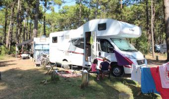 Las Landas Francesas con auto caravana